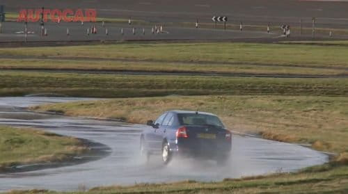 Audi R8 V10 contra Skoda Octavia 1.4 TSI, un duelo no tan desigual