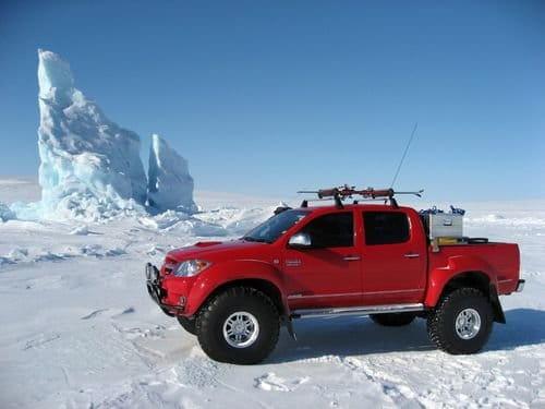 Tú también puedes llegar al Polo Norte en un Toyota Hilux