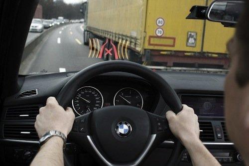 BMW narrow-passage assistant