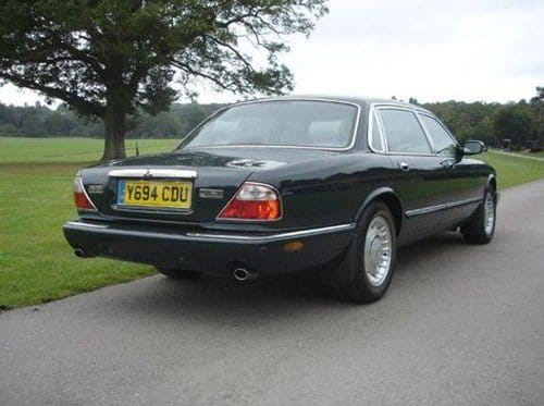 A la venta el Daimler Majestic V8 LWB de la reina de Inglaterra