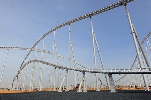 Ferrari World en Abu Dhabi. GT Roller Coaster