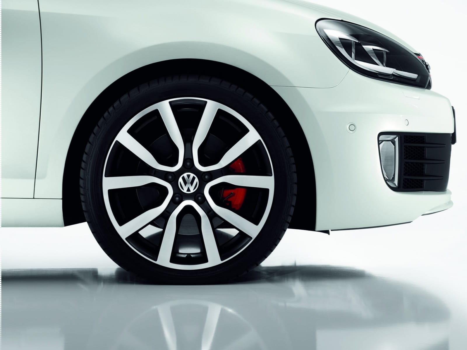Reunión Odia Amplificar  Volkswagen Golf GTI Adidas, en Wörthersee 2010   Diariomotor