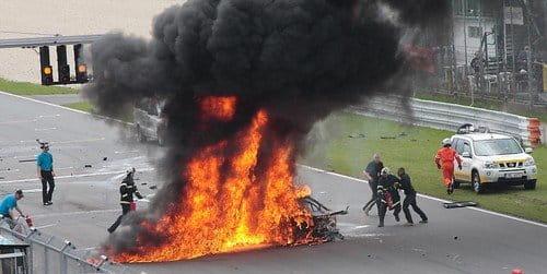 Terrorífica inactividad tras el incendio de un Lamborghini Gallardo en competición