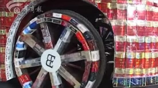 Réplica china del Bugatti Veyron a base de muchos cigarrillos