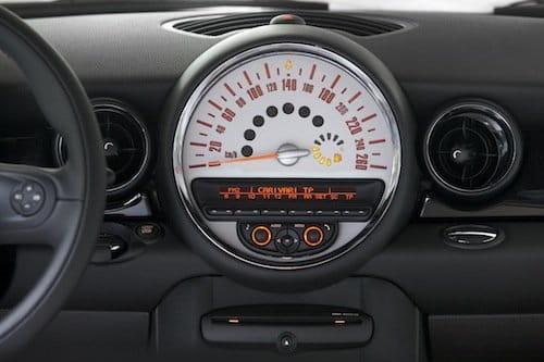 Mini Cooper S 2011, interior. Mini Connected.