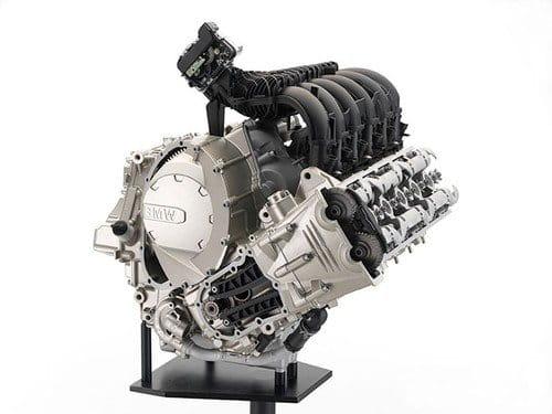 BMW lanza las primeras motos con seis cilindros en línea