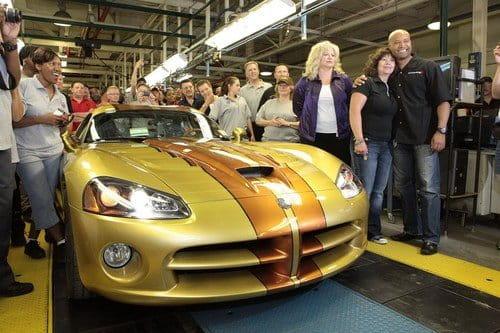 El último Dodge Viper SRT10 sale de las líneas de producción