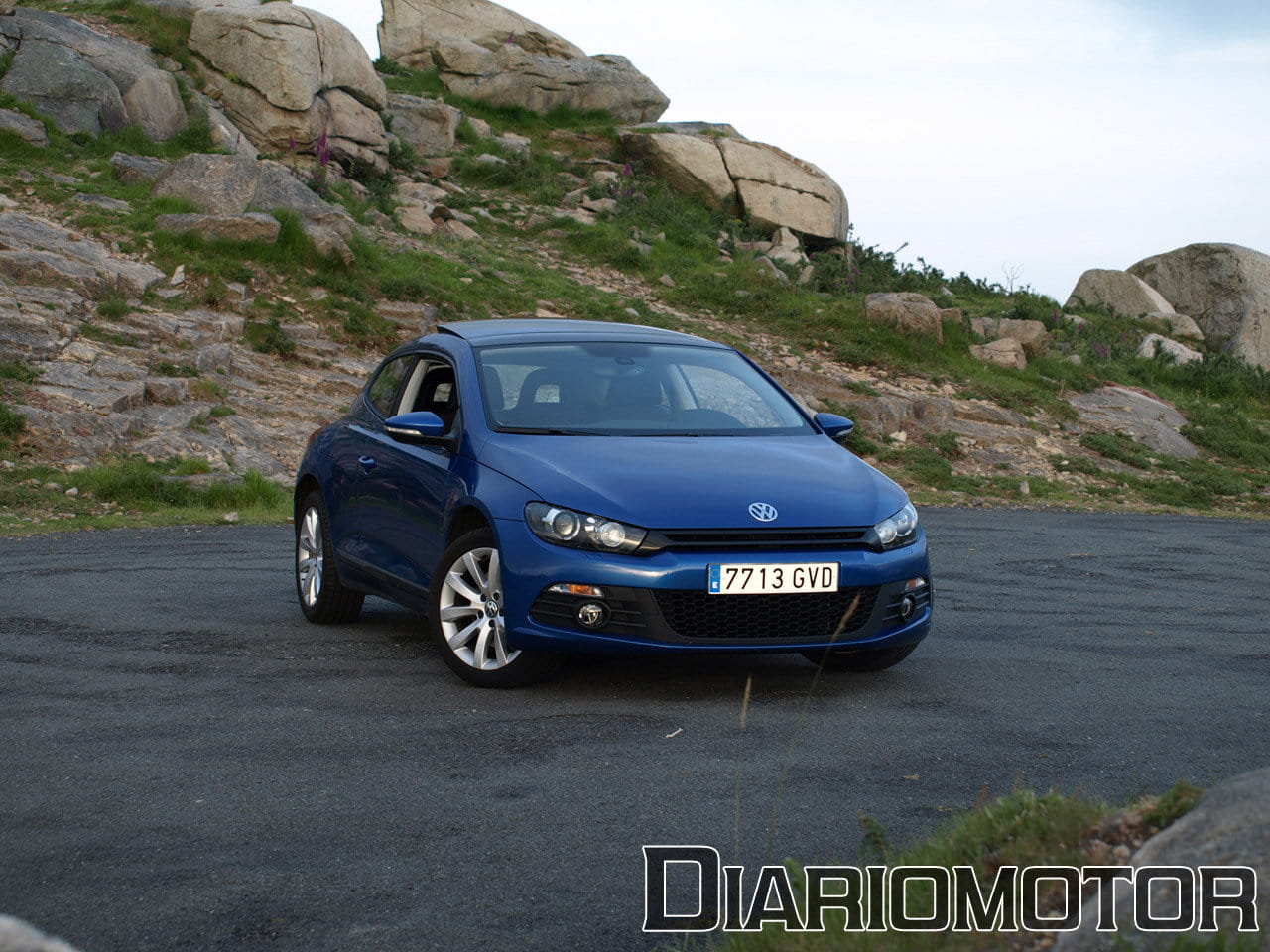 volkswagen scirocco 1 4 tsi de 160 cv vs 2 0 tdi de 140 cv mini prueba y comparativa i foto. Black Bedroom Furniture Sets. Home Design Ideas