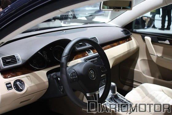 Volkswagen Passat 2011 en el Salón de París