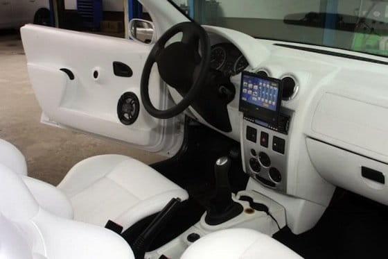 El Dacia Logan descapotable de Auto K9