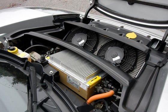 Toyota financia con 60 millones de dólares a Tesla para el desarrollo del RAV4 EV