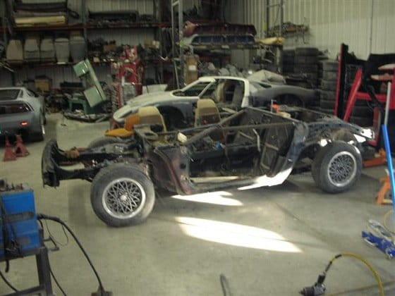 Réplica de Lamborghini Miura sobre Fiero