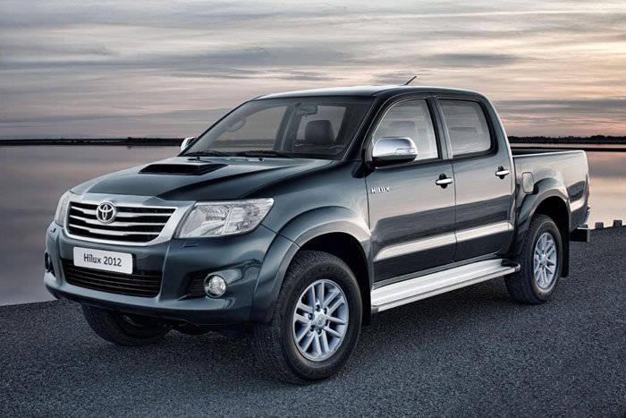 Toyota Hilux 2012, nueva cara y motores más eficientes