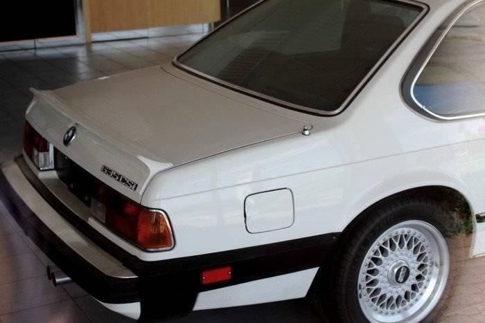 Concesionario_Abandonado_BMW_05-700px