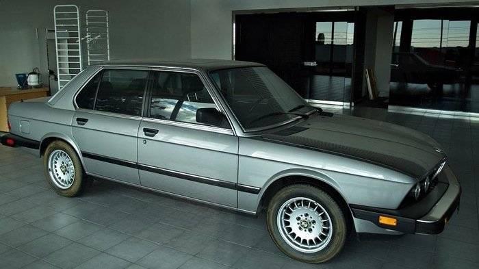 Concesionario_Abandonado_BMW_06-700px