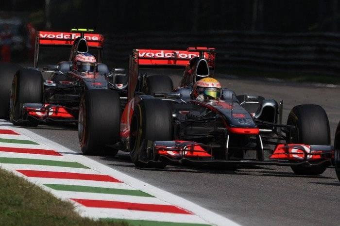 Jenson Button y Lewis Hamilton (McLaren) - GP Italia 2011