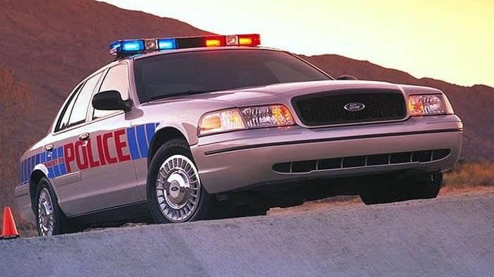 Ayer se fabricó el último Ford Crown Victoria y con él, muere el sedán americano
