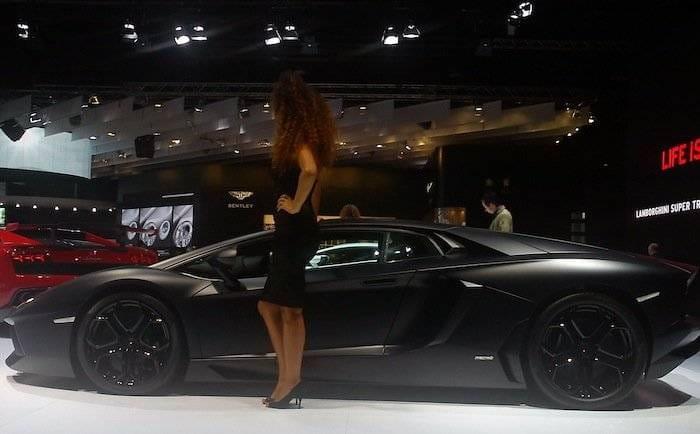 Lamborghini Aventador en negro mate