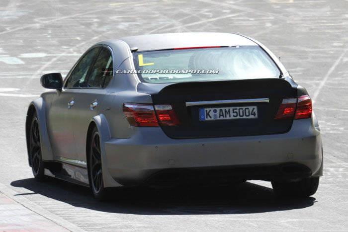 Lexus LS en Nürburgring