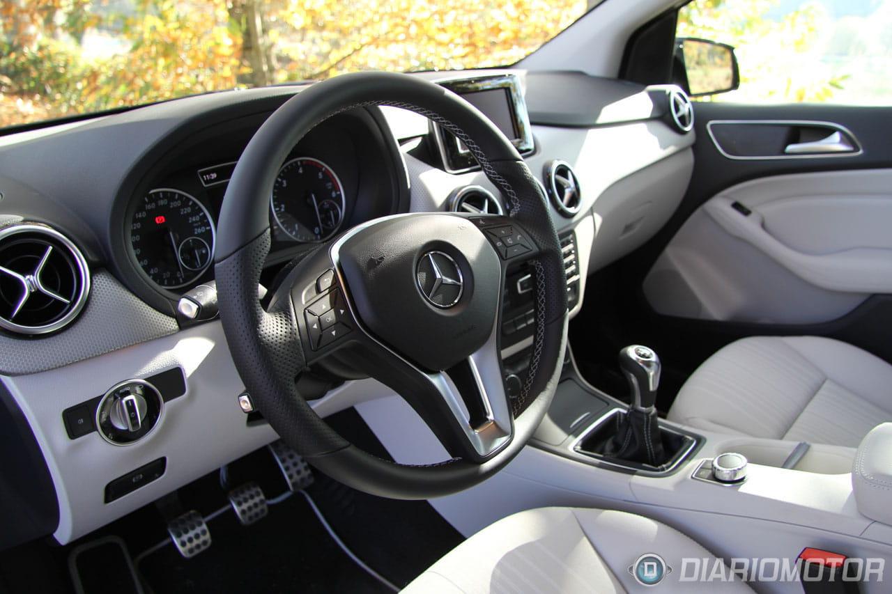 Mercedes benz clase b 2012 toma de contacto del b 200 cdi for Interior mercedes clase a