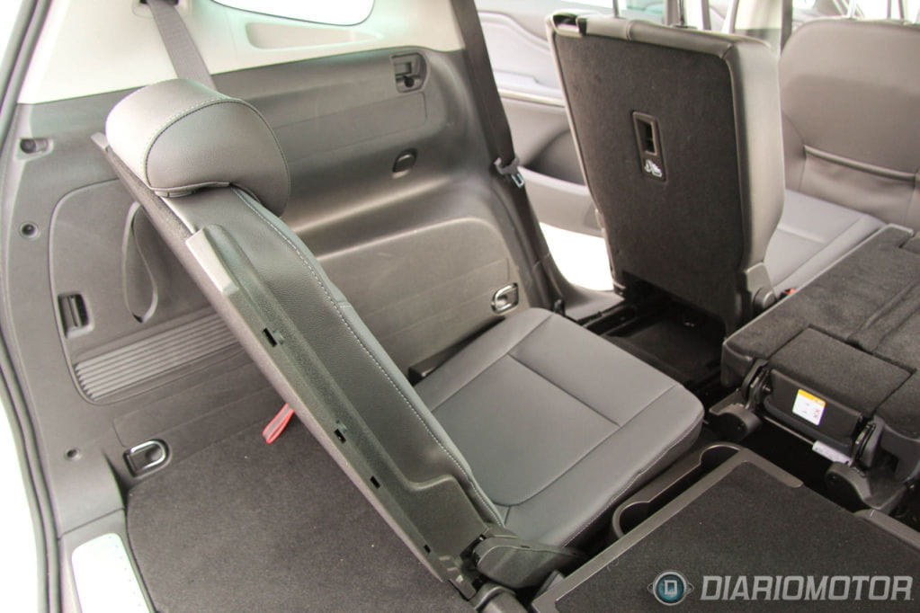 Opel zafira tourer 2012 prueba interior 21 foto 41 de 49 for Opel zafira interieur