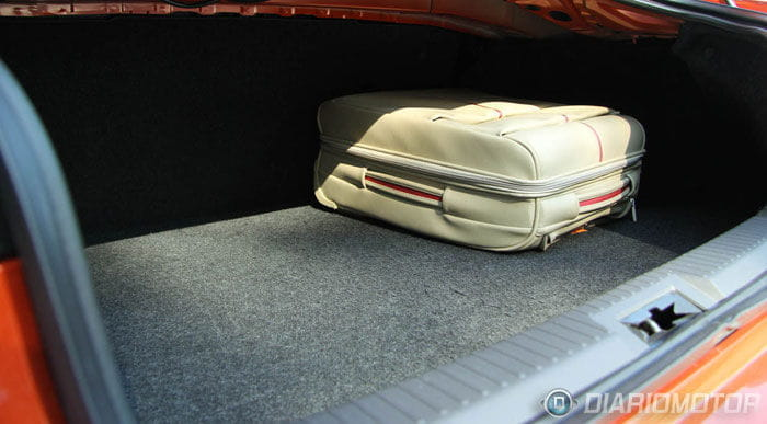 Toyota GT-86, prueba y presentación en Barcelona. Interior