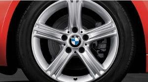 BMW Serie 3 Essential Edition VS Mercedes Benz AMG Edition