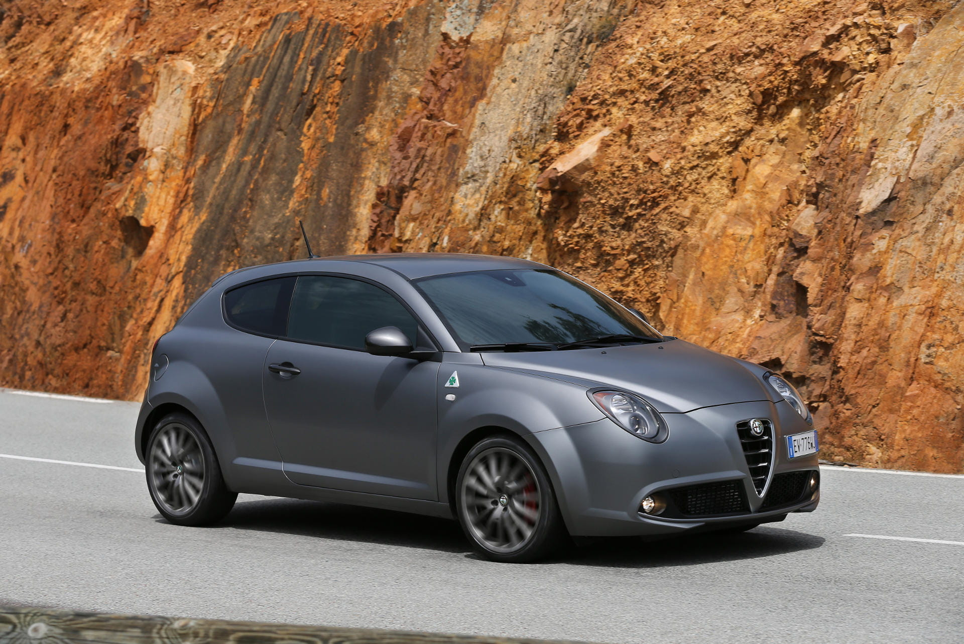 alfa romeo mito y mito quadrifoglio verde qv precios prueba ficha t cnica fotos y noticias. Black Bedroom Furniture Sets. Home Design Ideas