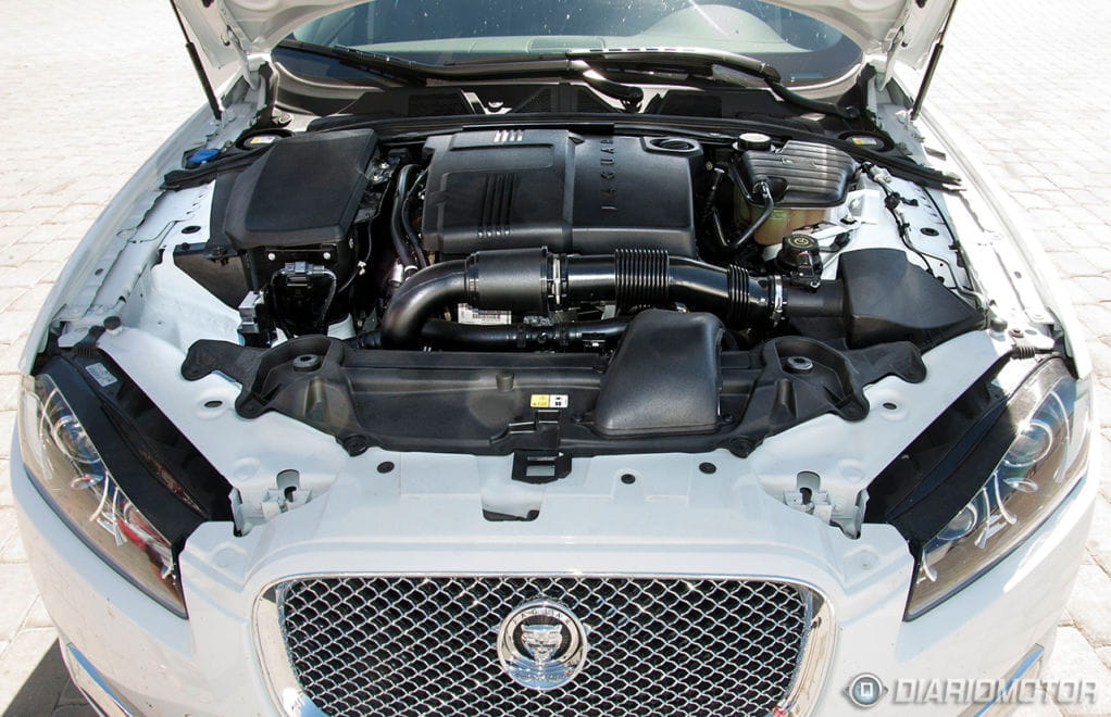 Jaguar xf prueba motor 01 foto 20 de 61 for Who owns jaguar motor company