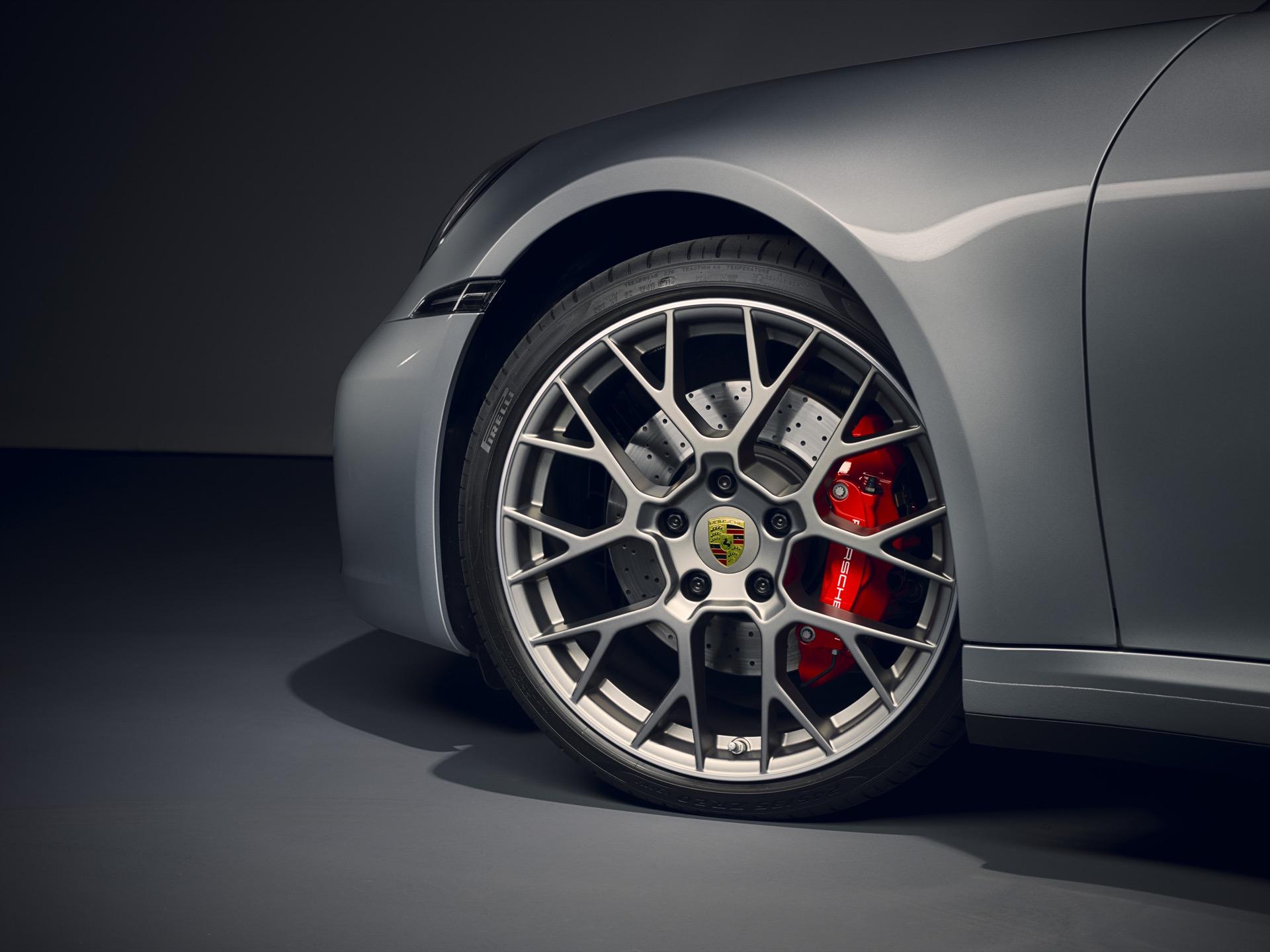 Porsche 911 992 00011