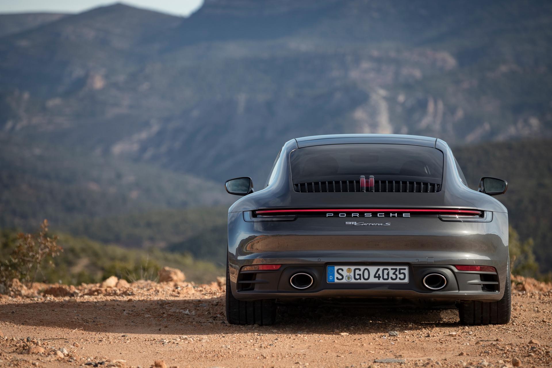 Porsche 911 992 00017