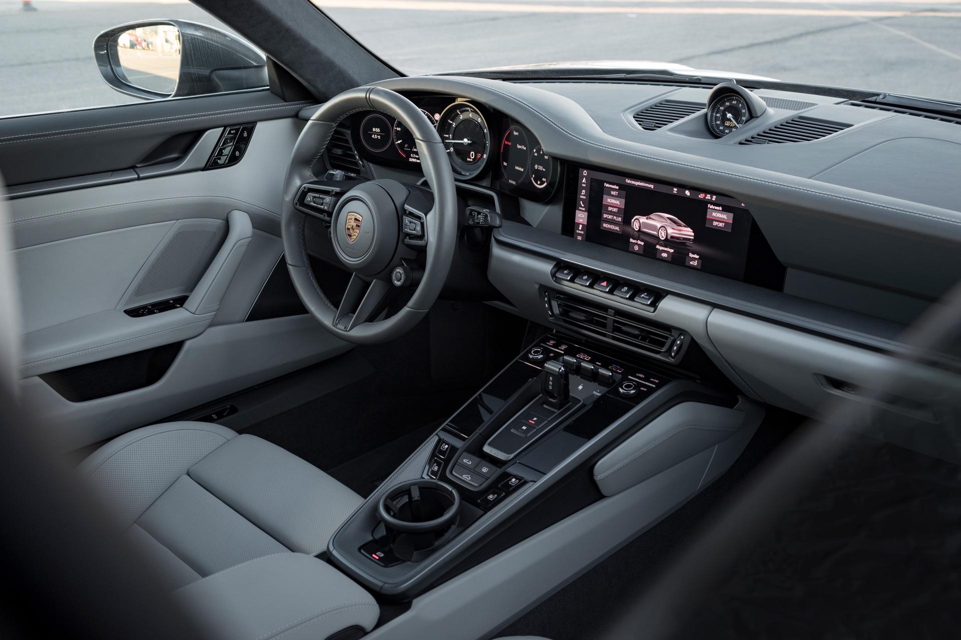 Porsche 911 992 00019