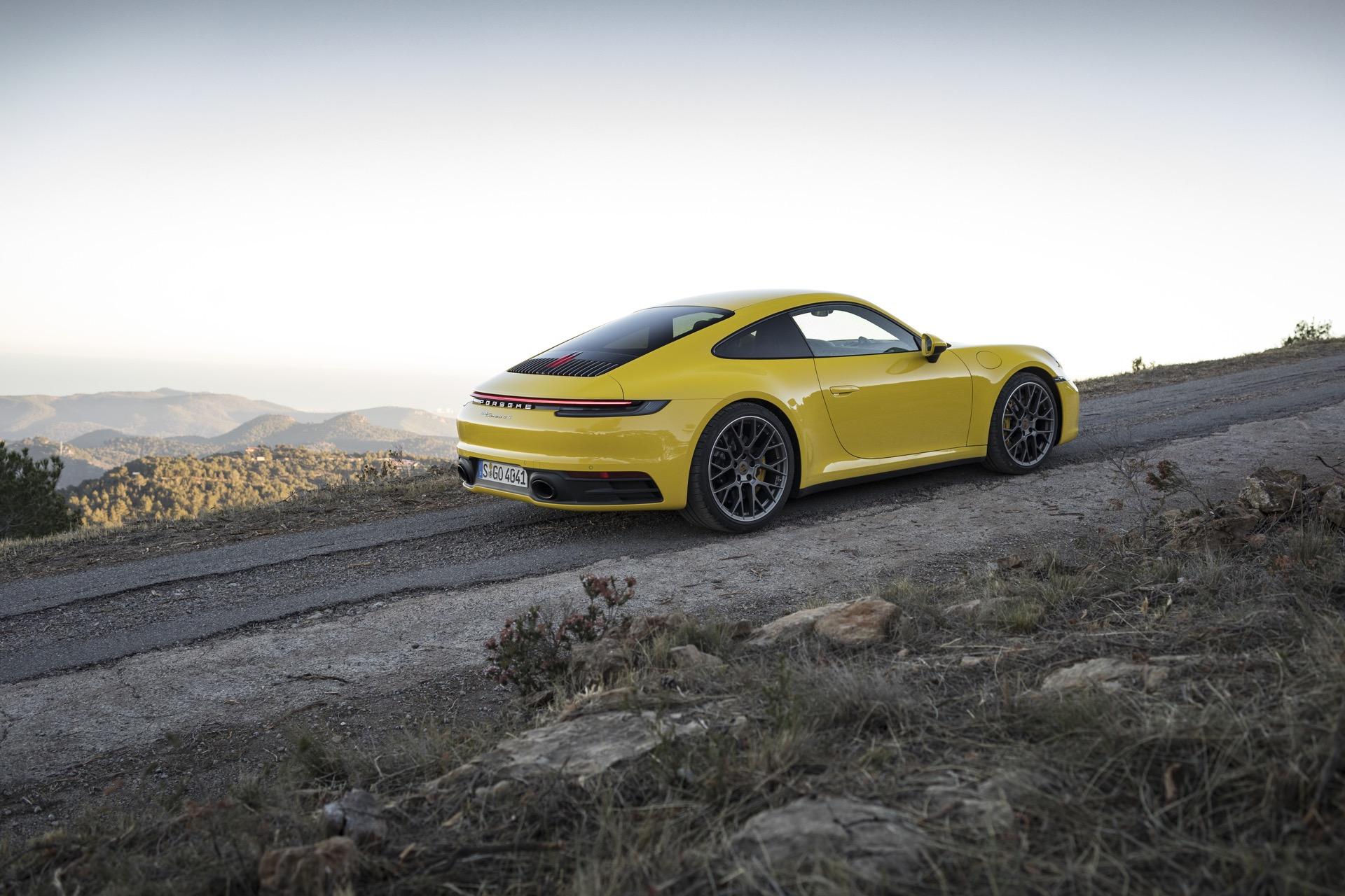 Porsche 911 992 00024