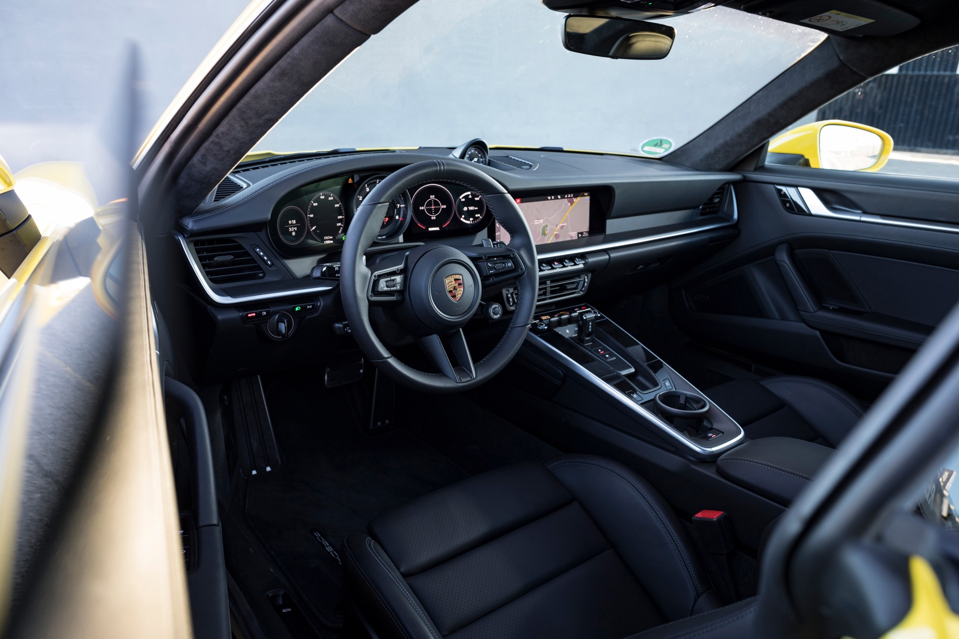 Porsche 911 992 00025