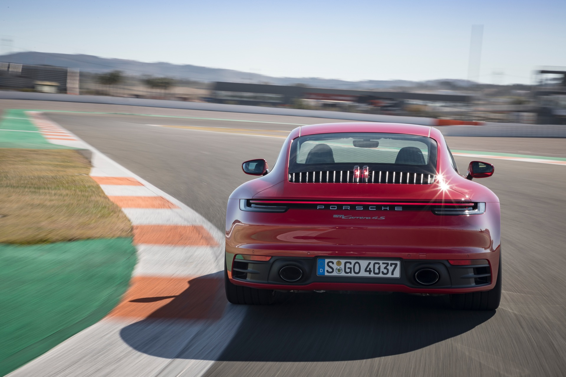 Porsche 911 992 00026
