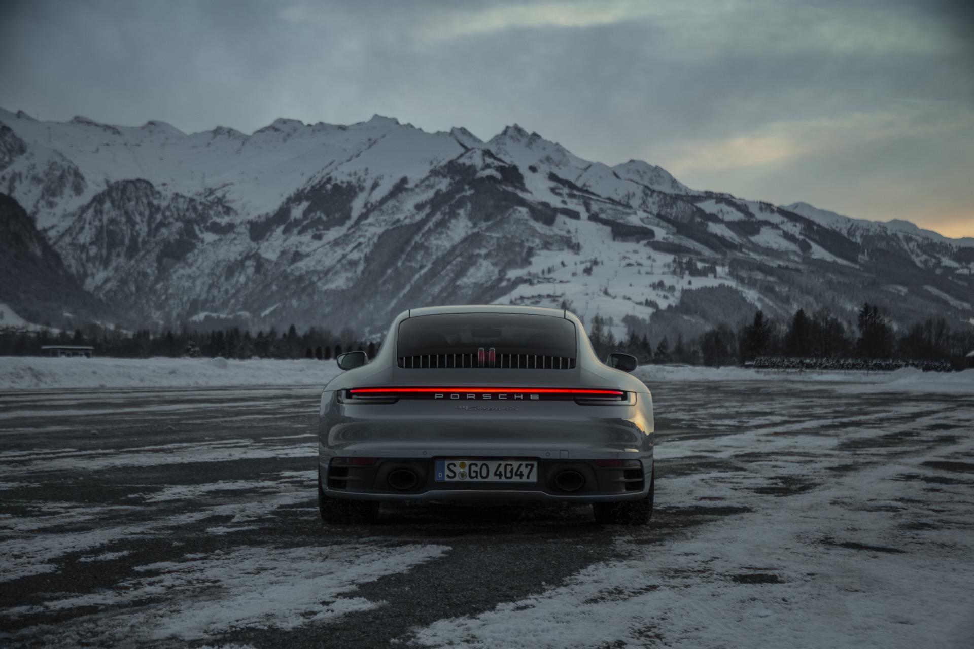 Porsche 911 992 00032