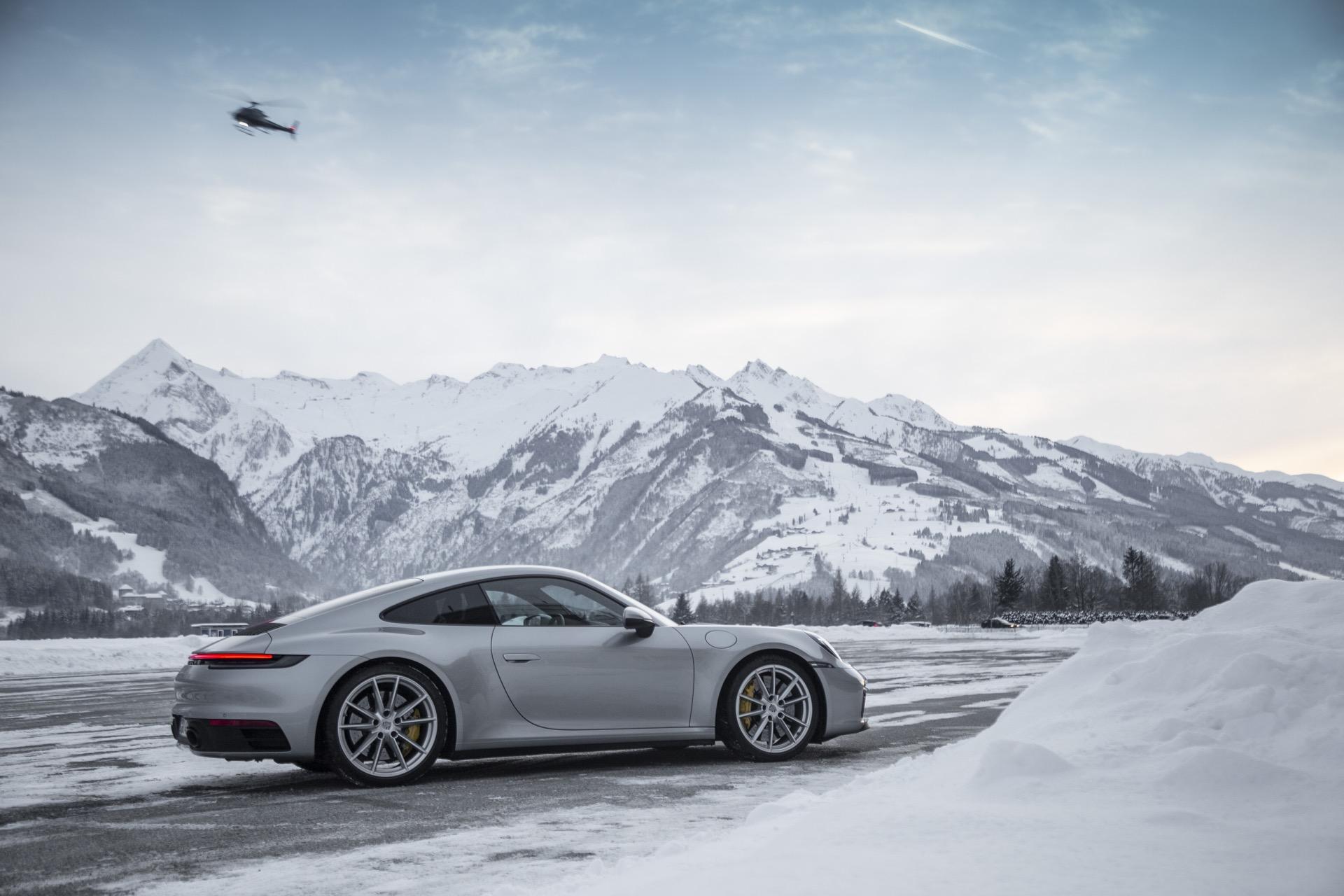 Porsche 911 992 00035