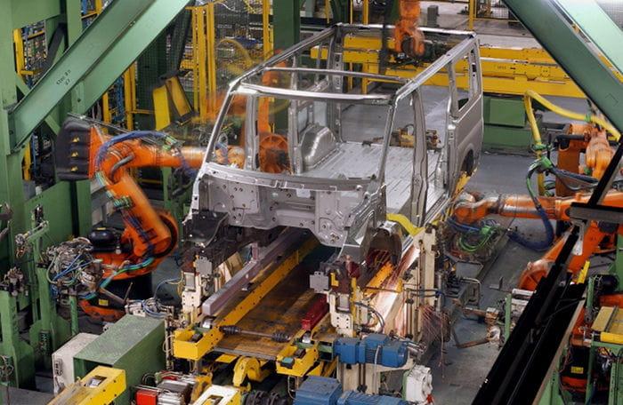 Ford también cierra dos plantas en Reino Unido