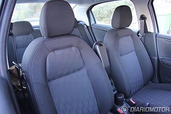 Citroën C-Elysée, prueba en Barcelona: asientos delanteros