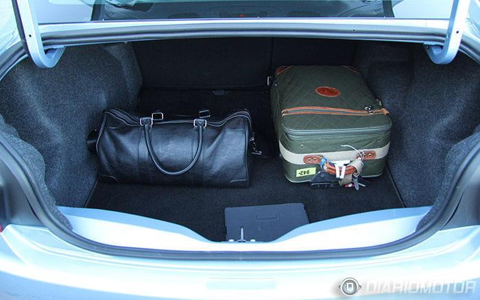 Citroën C-Elysée, prueba en Barcelona: interior del maletero