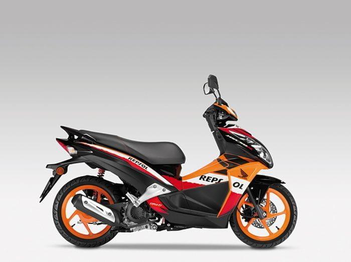 Nuevas Honda NSC50R y CB1100, vuelven el scooter deportivo y la naked clásica