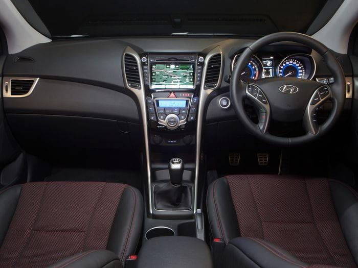 Hyundai i30 SR, ¿qué tal le sentaría un motor 2.0 de 174 CV?