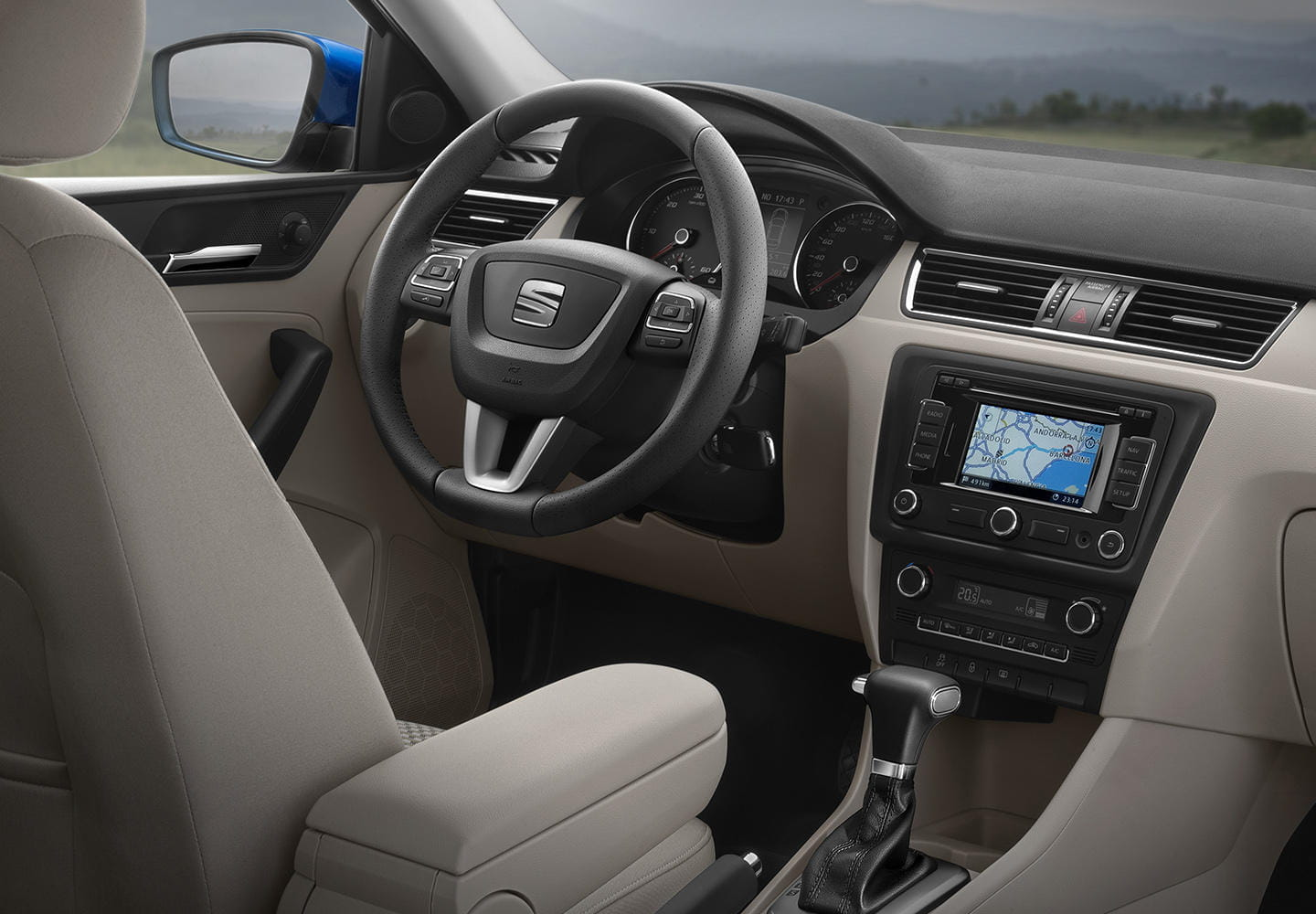 seat toledo toledo tdi precios prueba ficha t cnica y fotos. Black Bedroom Furniture Sets. Home Design Ideas