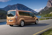 ford-grand-tourneo-connect-05