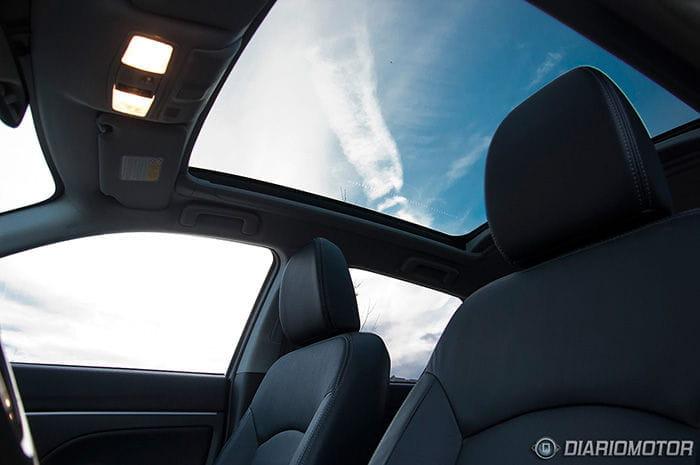 citroen-c4-aircross-interior-07-dm-700px.jpg