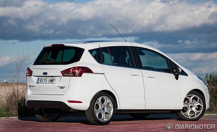Ford b max a prueba dise o espacio y confort a bordo de - Coches con puertas correderas ...
