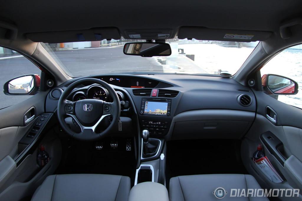 Honda civic 1 6 idtec 2013 presentacion prueba interior 1 for 2013 honda civic interior