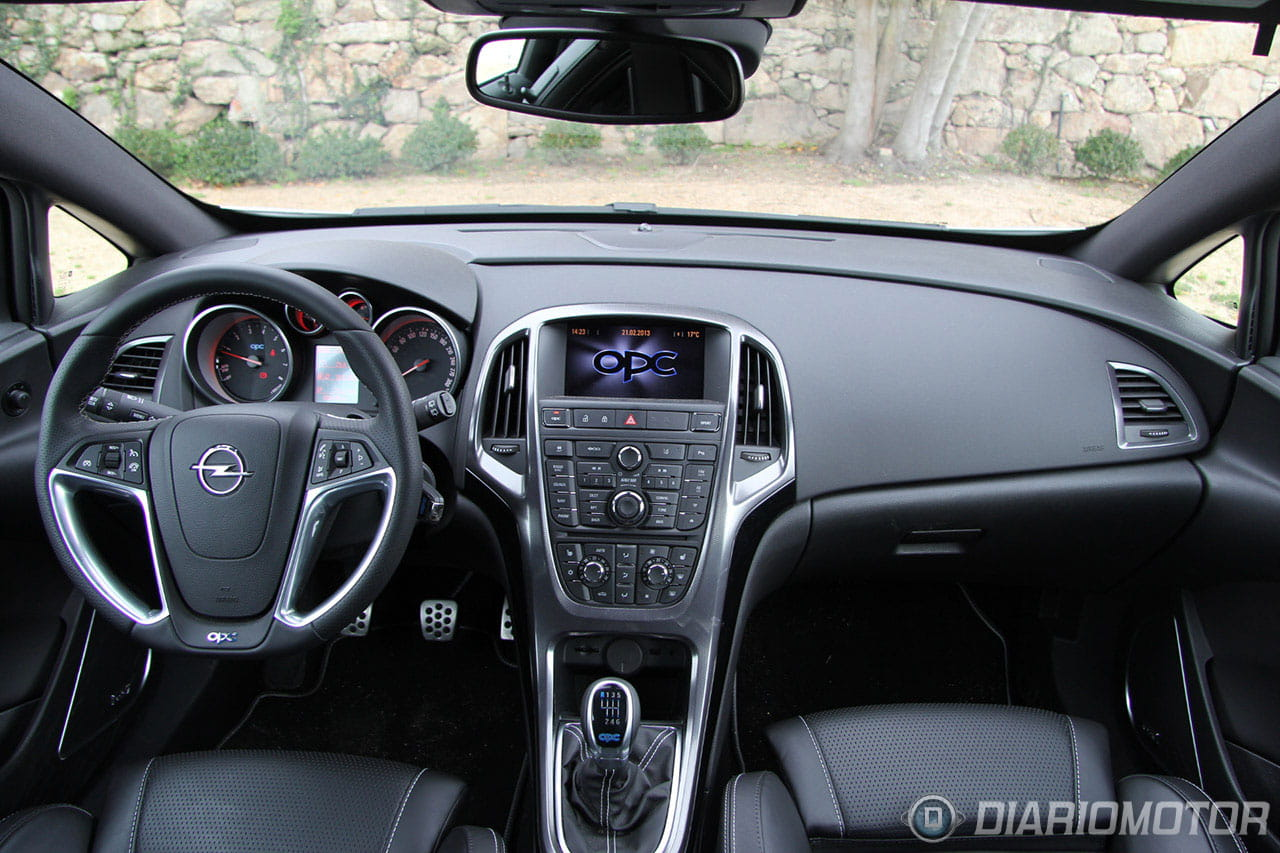Opel Astra OPC, al volante: domando 280 CV en carreteras con curvas ...