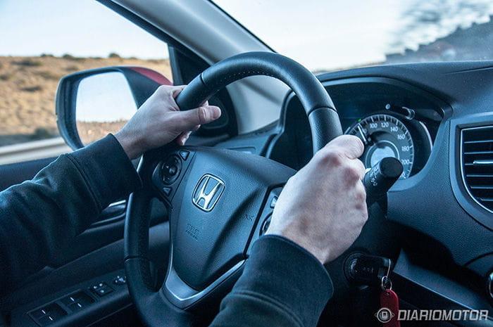 Las manos al volante