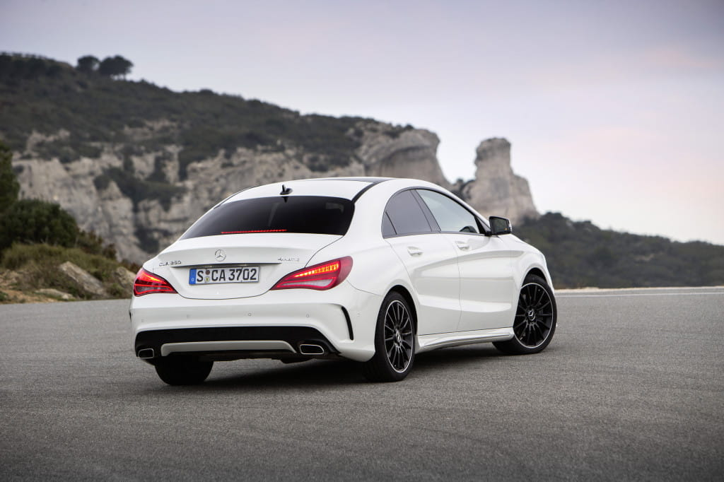 mercedes benz cla 250 4matic sport dct zirrus weiss fahrveranstaltung st tropez 2013 amg. Black Bedroom Furniture Sets. Home Design Ideas